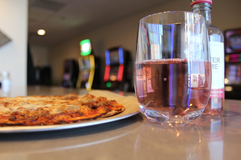 Honey's Pizza & Wine